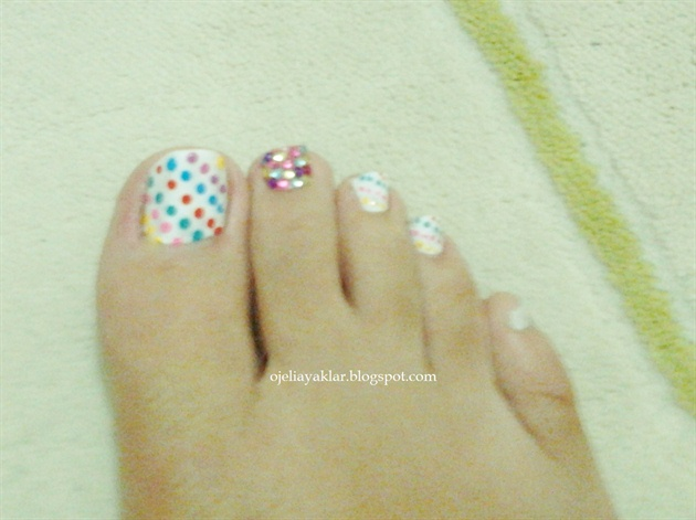 dots and stones