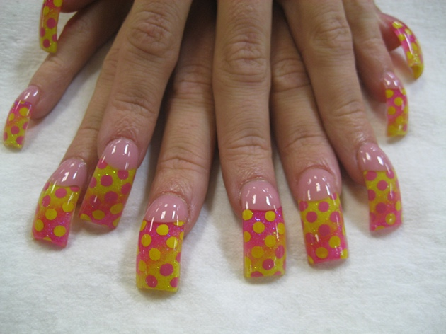 pink and yellow dots