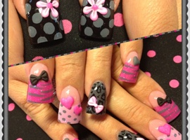 nail art: Pink and grey 3-d