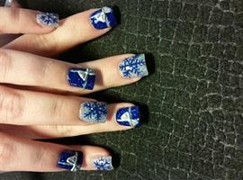 nail art: Blue snowflakes