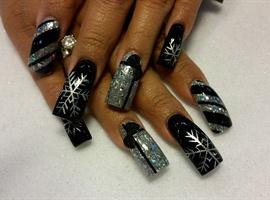 nail art: black and silver xmas