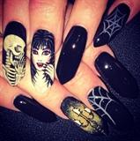 Elvira nails
