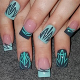 Pinstriped nails