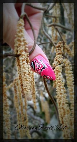 Ornament nail