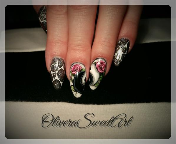 Ying Yang Floral nails