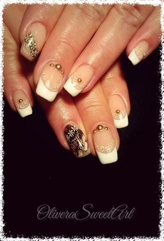 Romantic french nails
