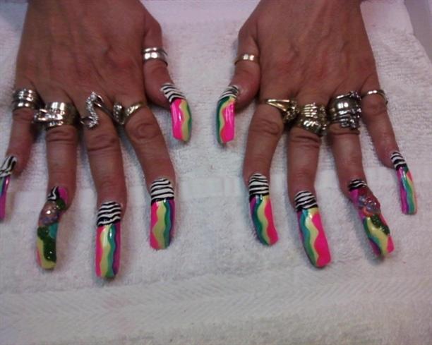neon zebra - Nail Art Gallery