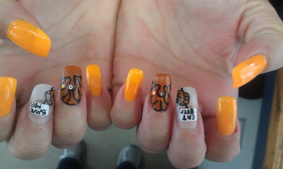 Autumn nails with turkeys with funny messages