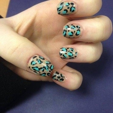 Leopard Print Nail Art Design