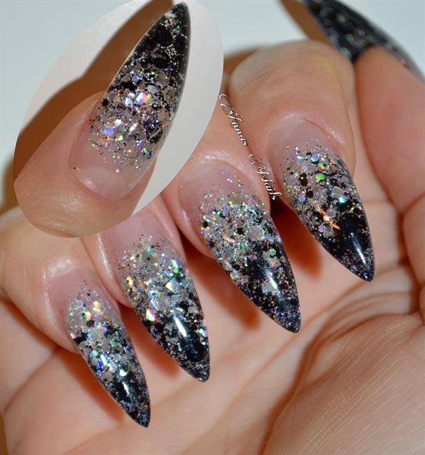 Black and silver stiletto - Nail Art Gallery