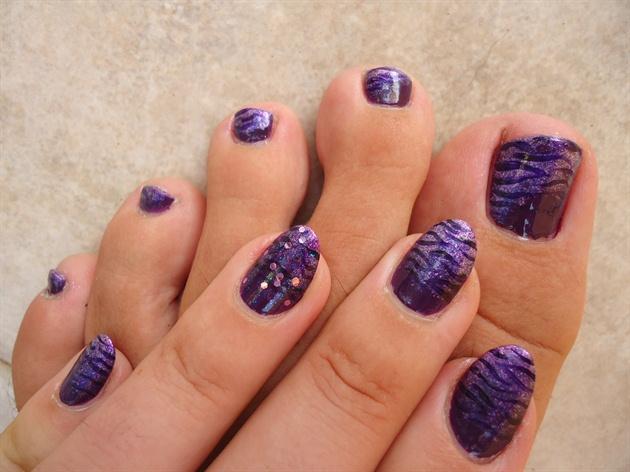Matching Purple Gradient With Zebra