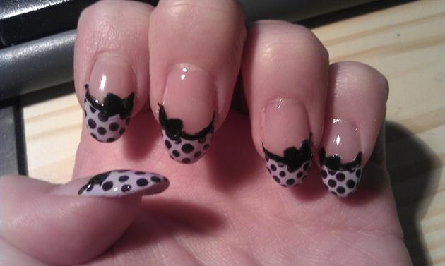Bow - dots gel nails
