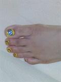 hello kitty nail art with leopard