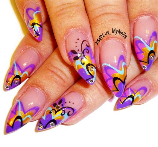 abstract swirls nailart