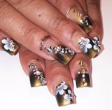 nail art flowers with spikes