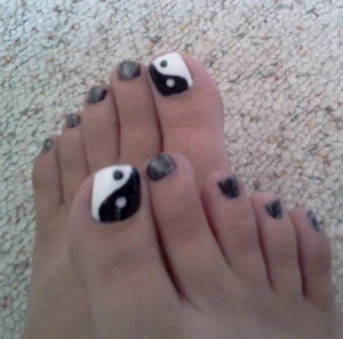 Ying Yang toes!