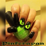 CrEePy EyEs, Halloween nails!