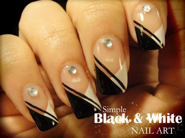 Simple Black & White nail art