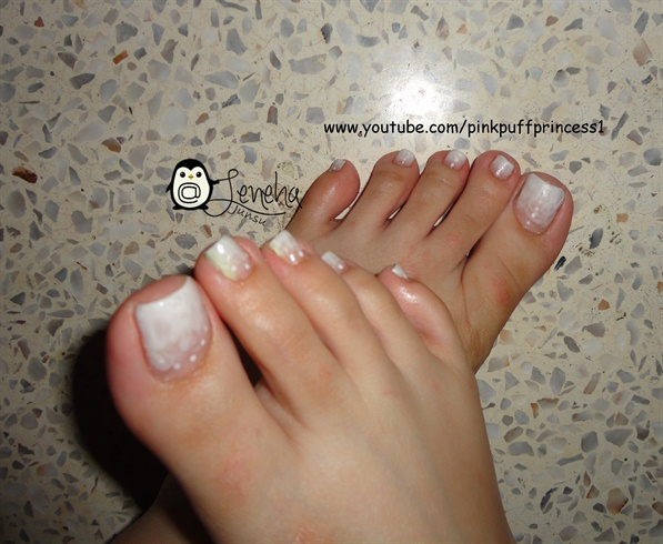 White Gradient/Ombre Toe Nail Art