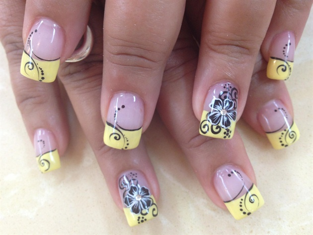Yellow tips with black flower