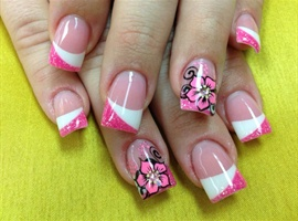 nail art: Pink White Flowers