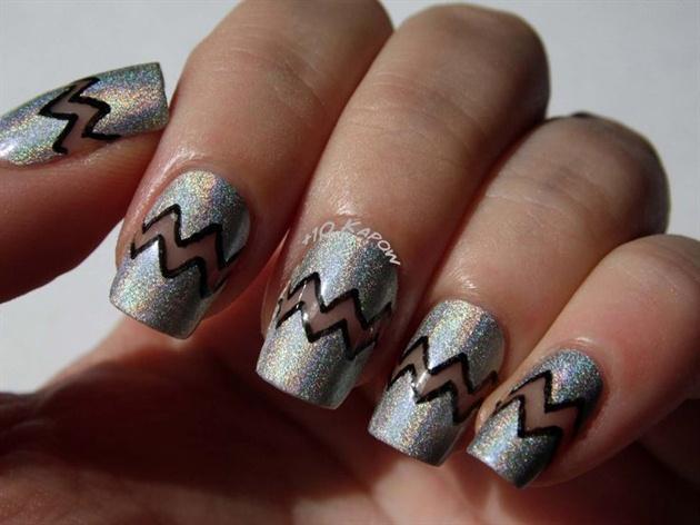 Negative space chevron nails