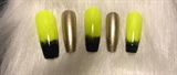 Kylie Jenner highlighter hair nails