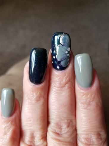 Gray n Black gel polish