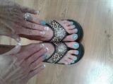 Matching nails & toes