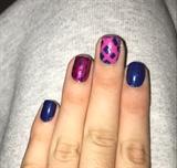 Blue & Pink Nails.