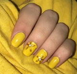Golden Flower Nails