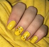 Golden Flower Nails