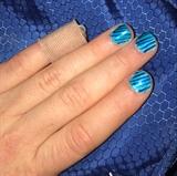 Easy Blue Stripes Nails