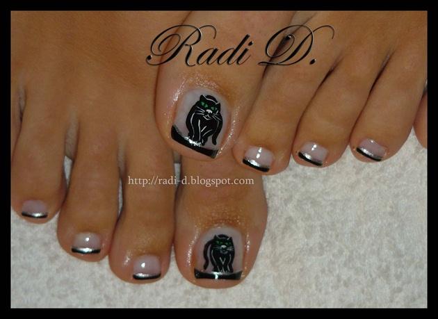 Black Cat Toes