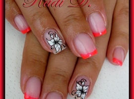 nail art: Neony French & White Flowers
