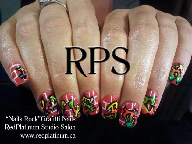 """Nails Rock""- Grafitti Nails"