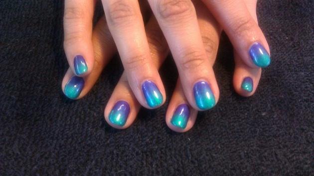 green gel nail polish