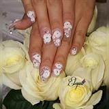 Wedding nails 3d roses