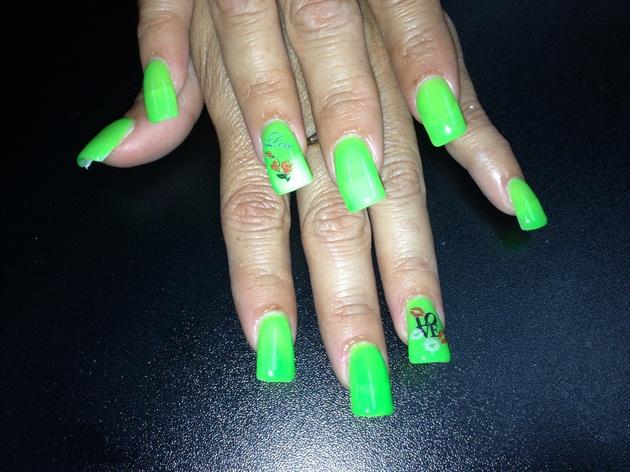 Neon green gel - Nail Art Gallery