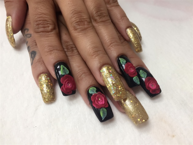 Holiday Nails Roses