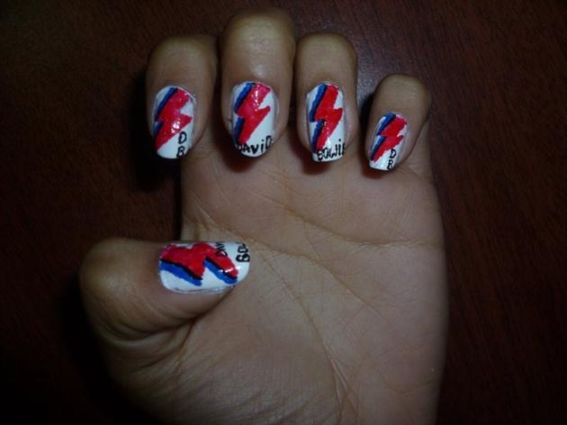 uñas de David Bowie