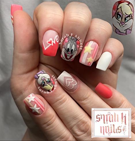 Freehand Bugs & Lola Bunny Nail Art