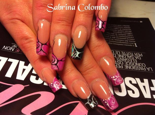 Abstract Nails Pink Black