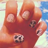 Dalmata Nails