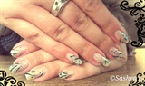 natural_nails_lines_and_glitter