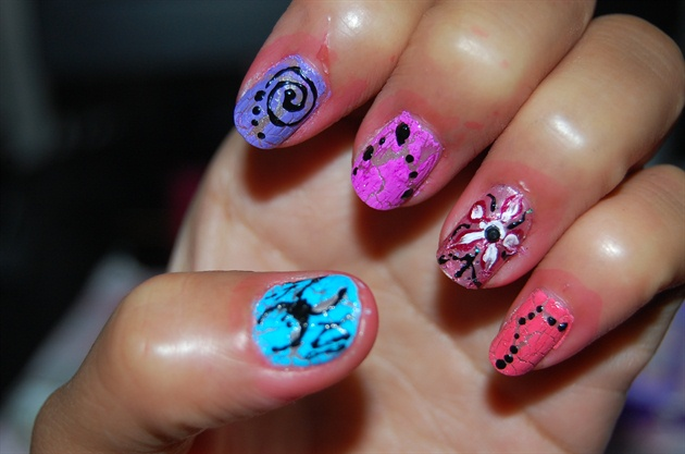crack polish with different nail design - Nail Art Gallery