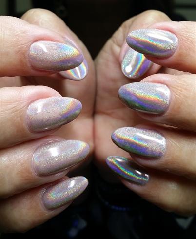 Pretty Holo Nails