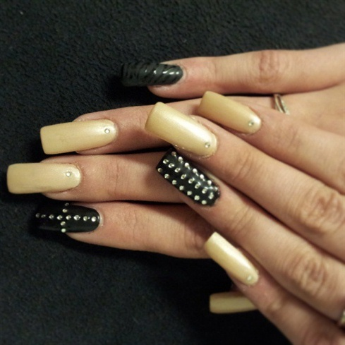 Flat Black Rhinestones Nails