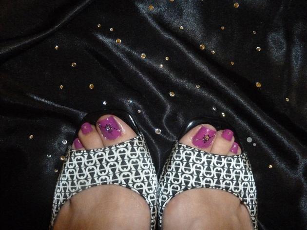 hot pink elegant toes