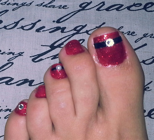 sirenmarina_348833_l.jpg - 30 Best And Easy Christmas Toe Nail Designs - Christmas Celebrations